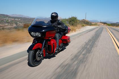 Harley-Davidson Road Glide Limited riding