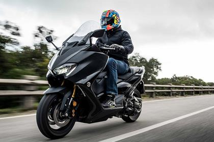 Riding the Yamaha TMAX 560