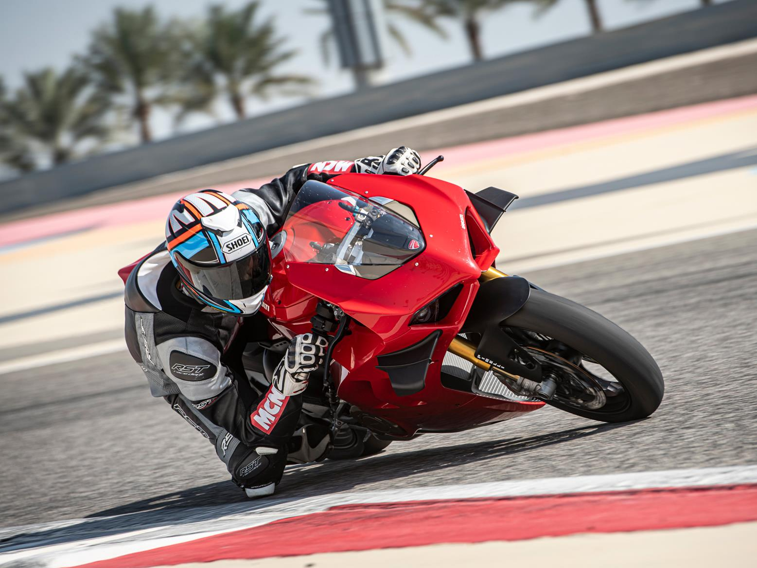 DUCATI PANIGALE V4S (2020-on) Review