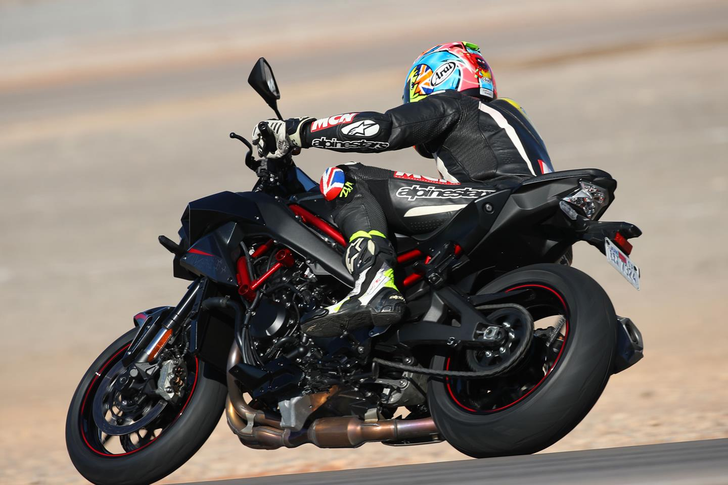 2020 KAWASAKI Z H2 REVIEW: STREET AND TRACK (17 FAST FACTS