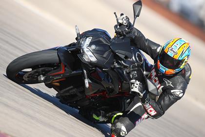Kawasaki Z H2 knee down cornering