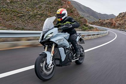 Riding the 2020 BMW S1000XR
