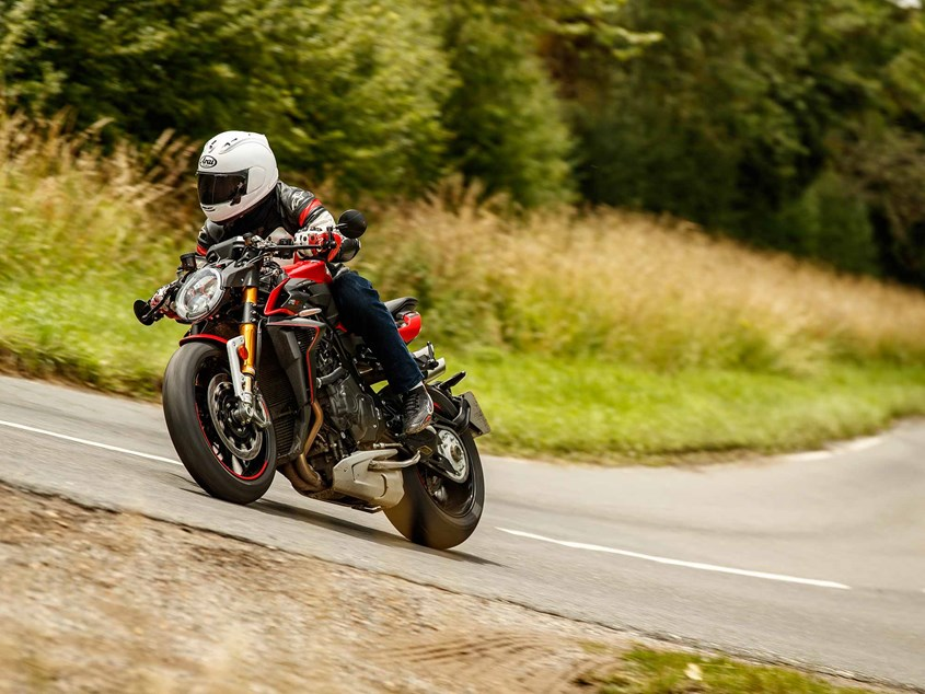 MV-AGUSTA BRUTALE 1000 RR (2020 - on) Review   MCN