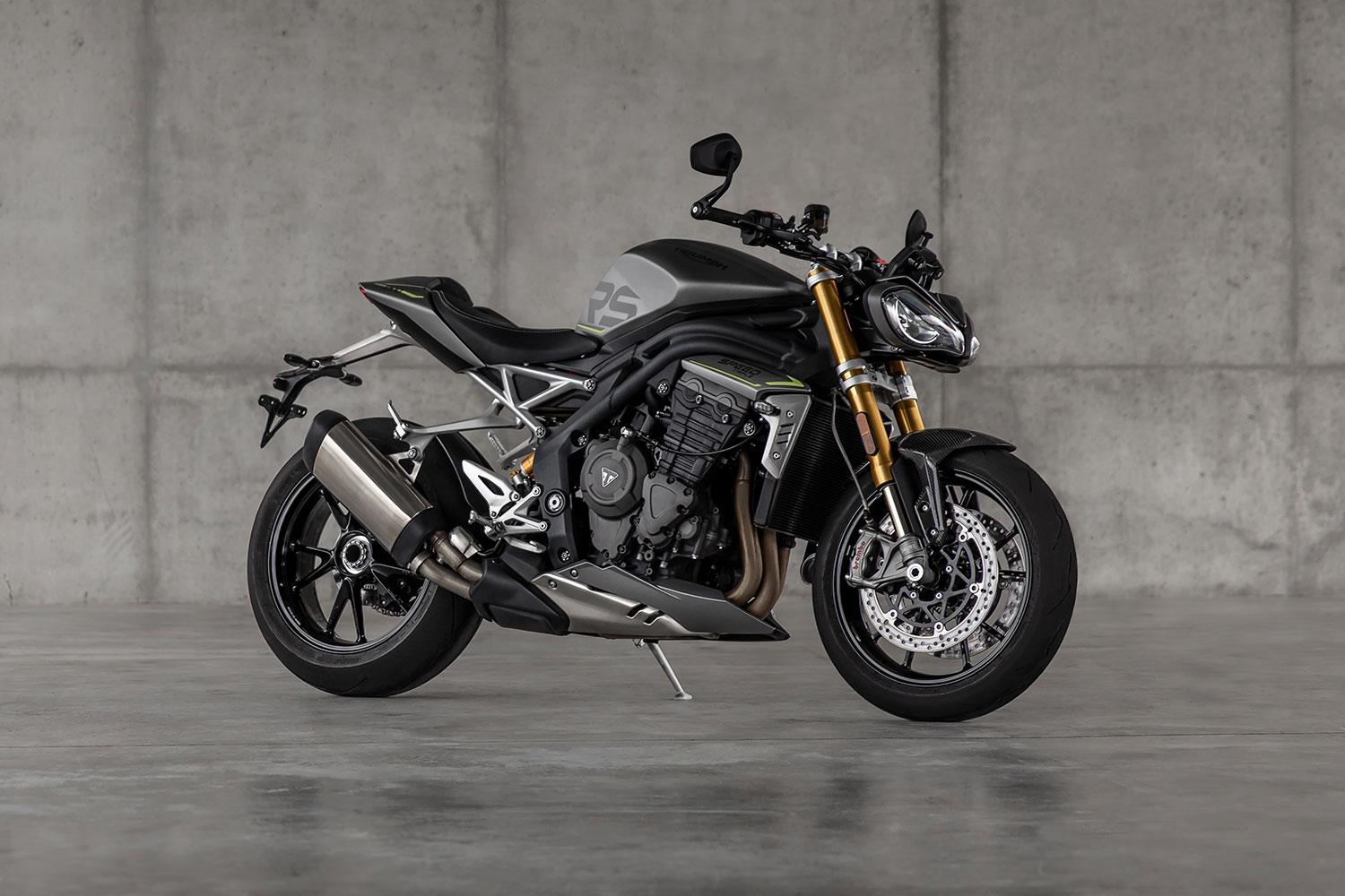 The speed of light: New Triumph Speed Triple 1200 RS enters the super naked battle
