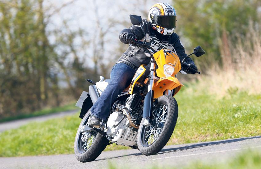 SINNIS APACHE 250 (2014-on) Review