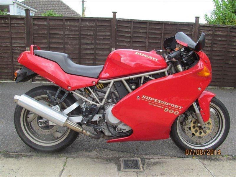 bike of the day 1994 ducati 900ss mcn. Black Bedroom Furniture Sets. Home Design Ideas