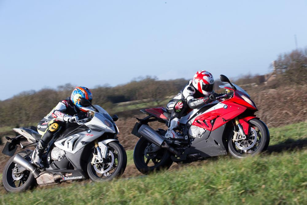 A Giant Leap: 2015 BMW S1000RR vs the 2014 model | MCN