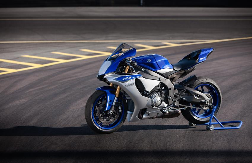 First ride 2015 yamaha r1 r1m mcn share this article publicscrutiny Images