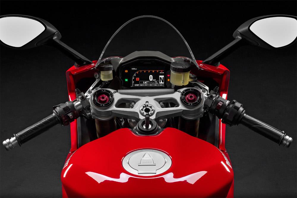 ducati 1299 panigale (2015-on) review | mcn