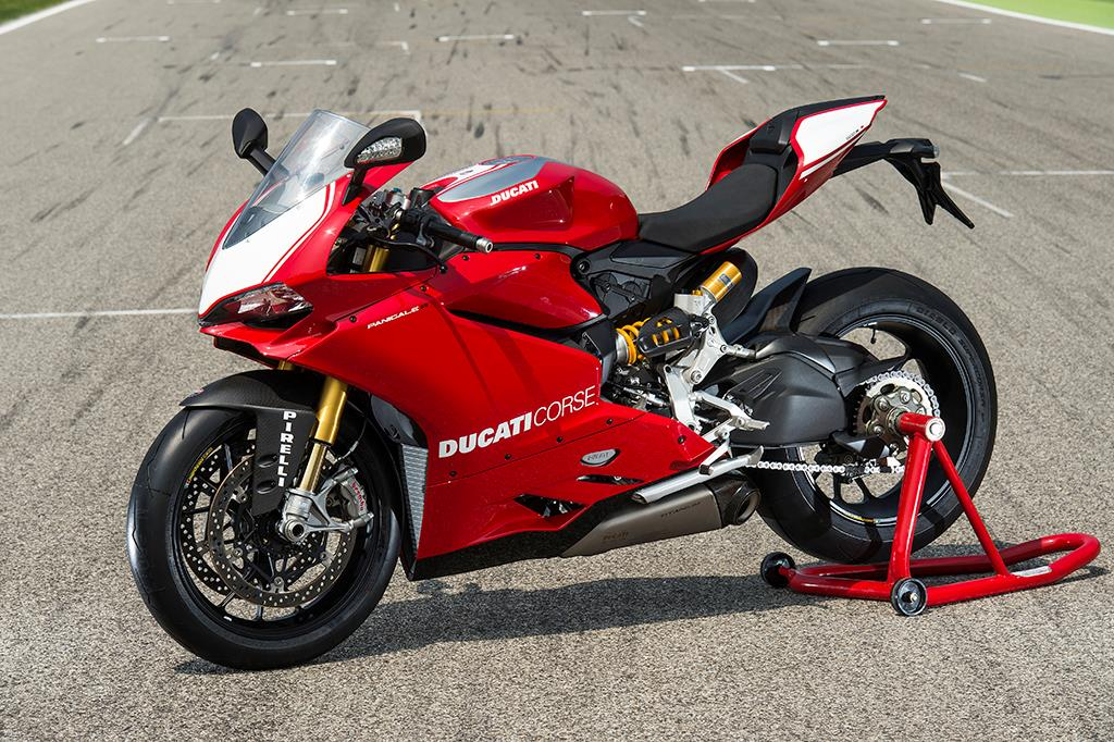first test: ducati panigale r | mcn