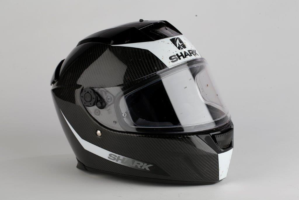 product review shark speed r carbon skin helmet mcn. Black Bedroom Furniture Sets. Home Design Ideas