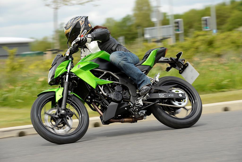 Kawasaki Z250sl 2015 On Review Mcn