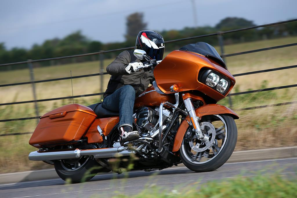 harley davidson road glide special 2014 on review mcn. Black Bedroom Furniture Sets. Home Design Ideas