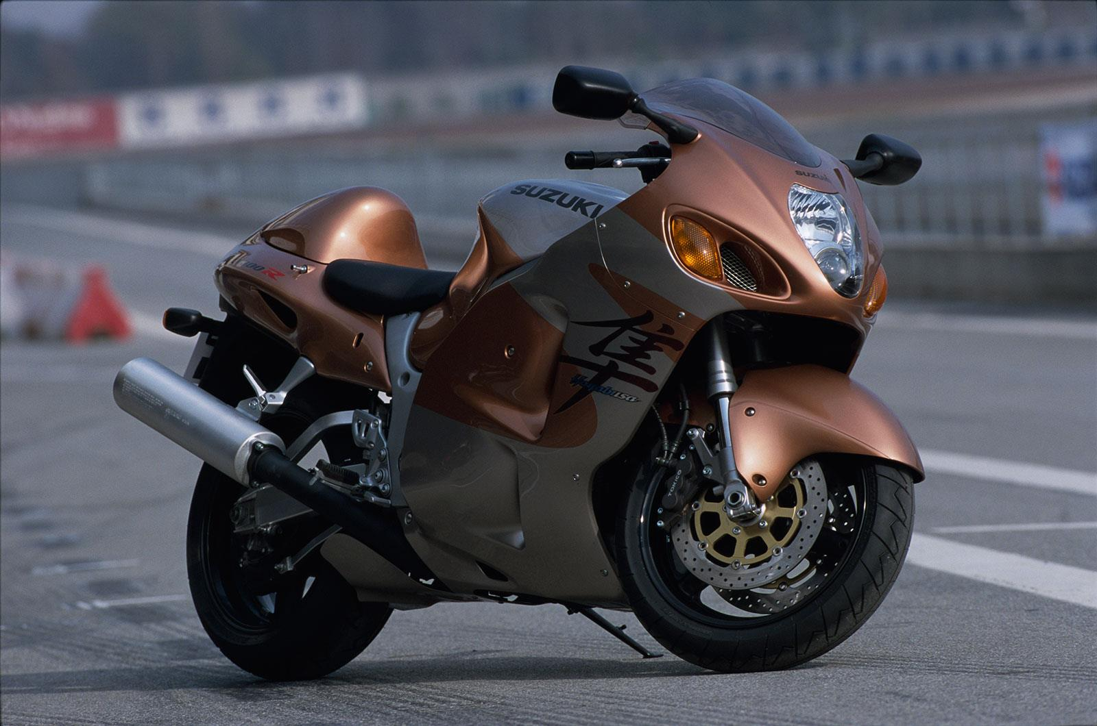 eyewitness 1999: the birth of the 'busa | mcn