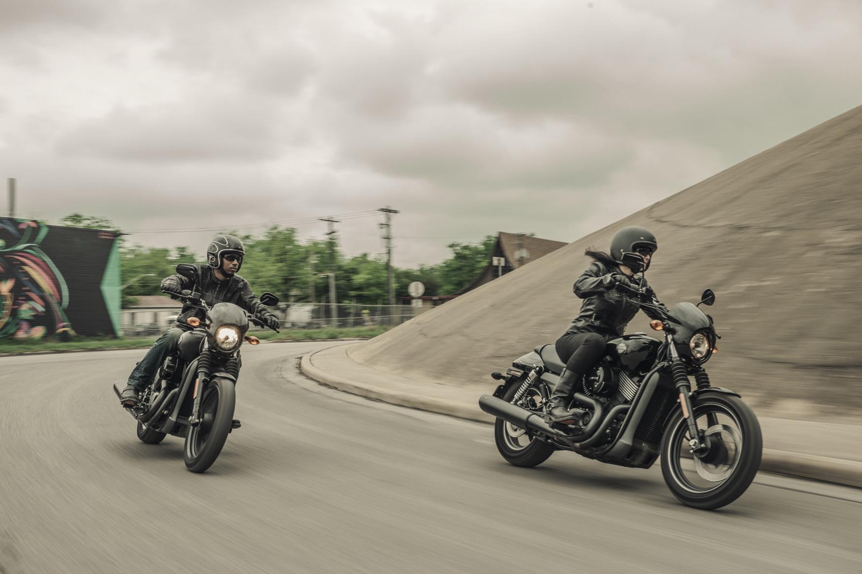 Harley Davidson: Harley-Davidson Street 750 First Ride Incoming