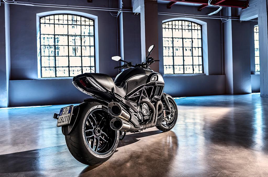 ... 2016 Ducati Diavel Carbon Revealed ...