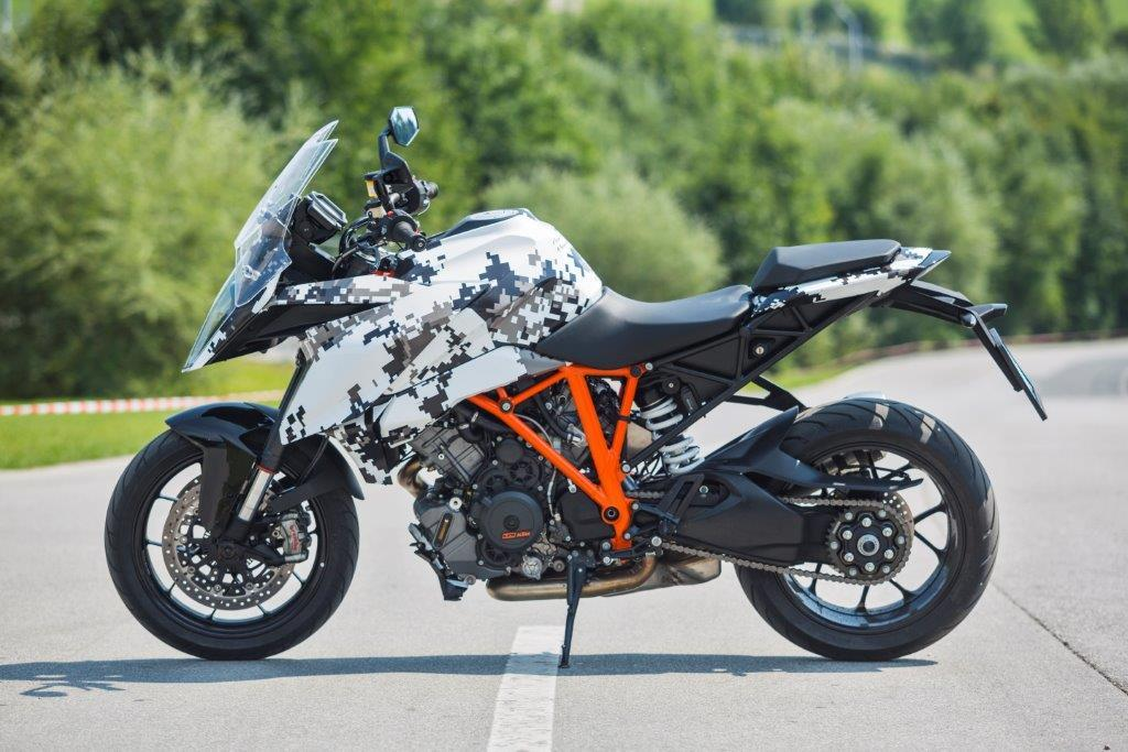 ktm 1290 super duke gt prototype tested mcn. Black Bedroom Furniture Sets. Home Design Ideas