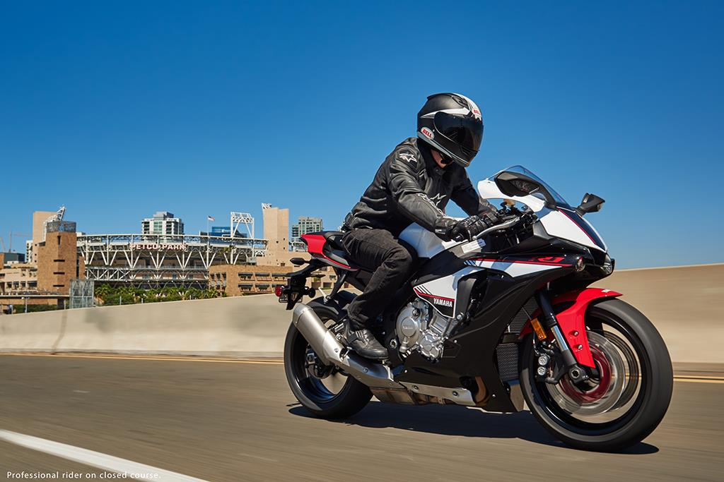New yamaha r1s released stateside mcn for Yamaha dealers in mass