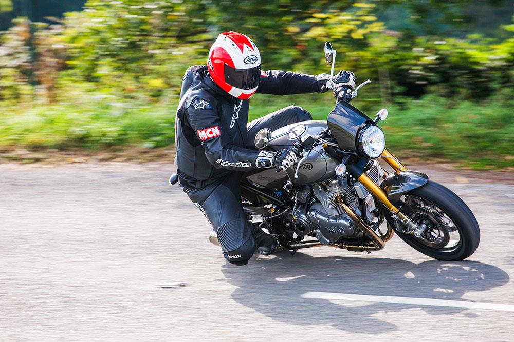 ... NORTON COMMANDO 961 Mk II (2015-on) ...