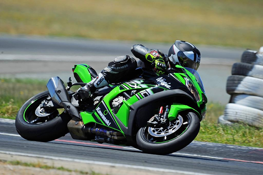 The Kawasaki ZX-10R is a track missile