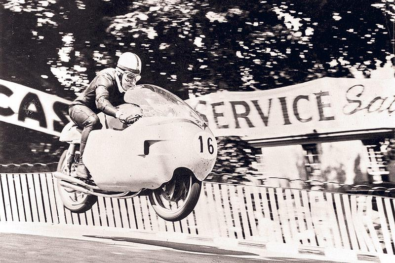 John Surtees on a 350cc MV Agusta at the Isle of Man