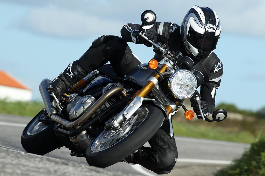 Triumph Thruxton 1200 2016 On Review Mcn