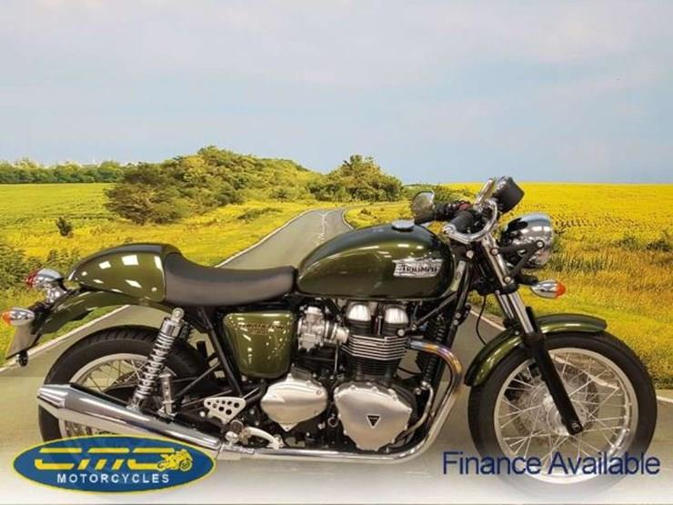 all-new triumph thruxtons revealed | mcn
