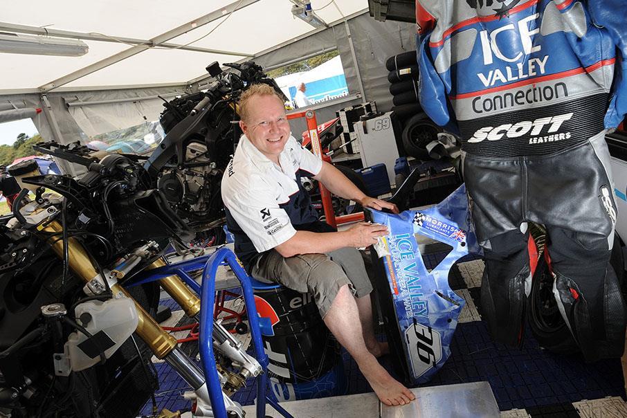 TT 2016: Veteran Paul Shoesmith dies during Saturday practice   MCN
