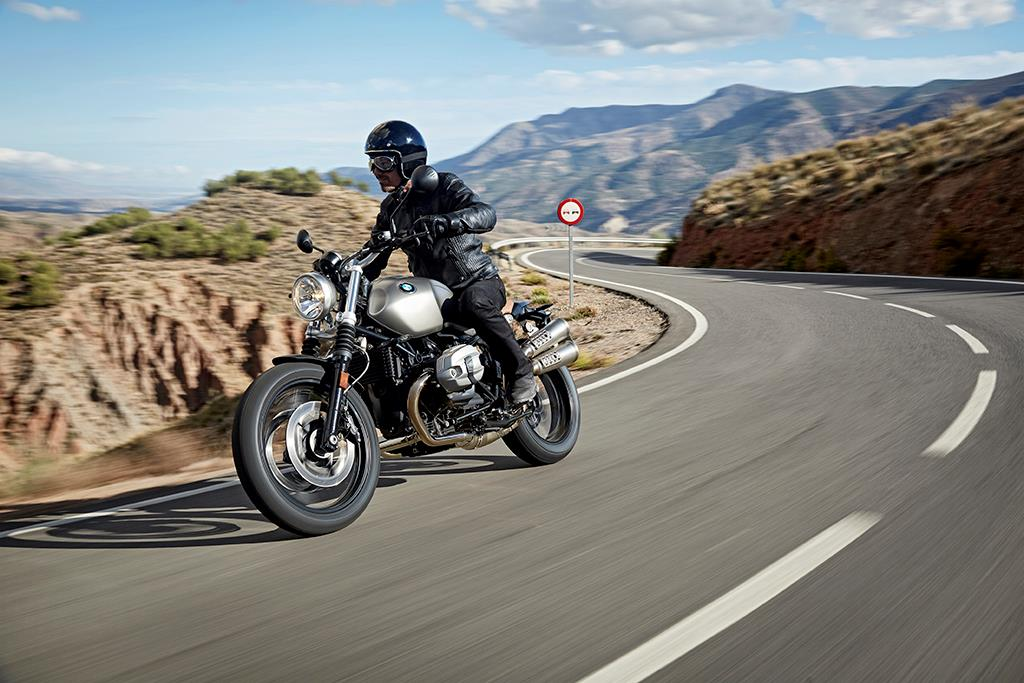 BMW R NINE T SCRAMBLER (2016-on) Review