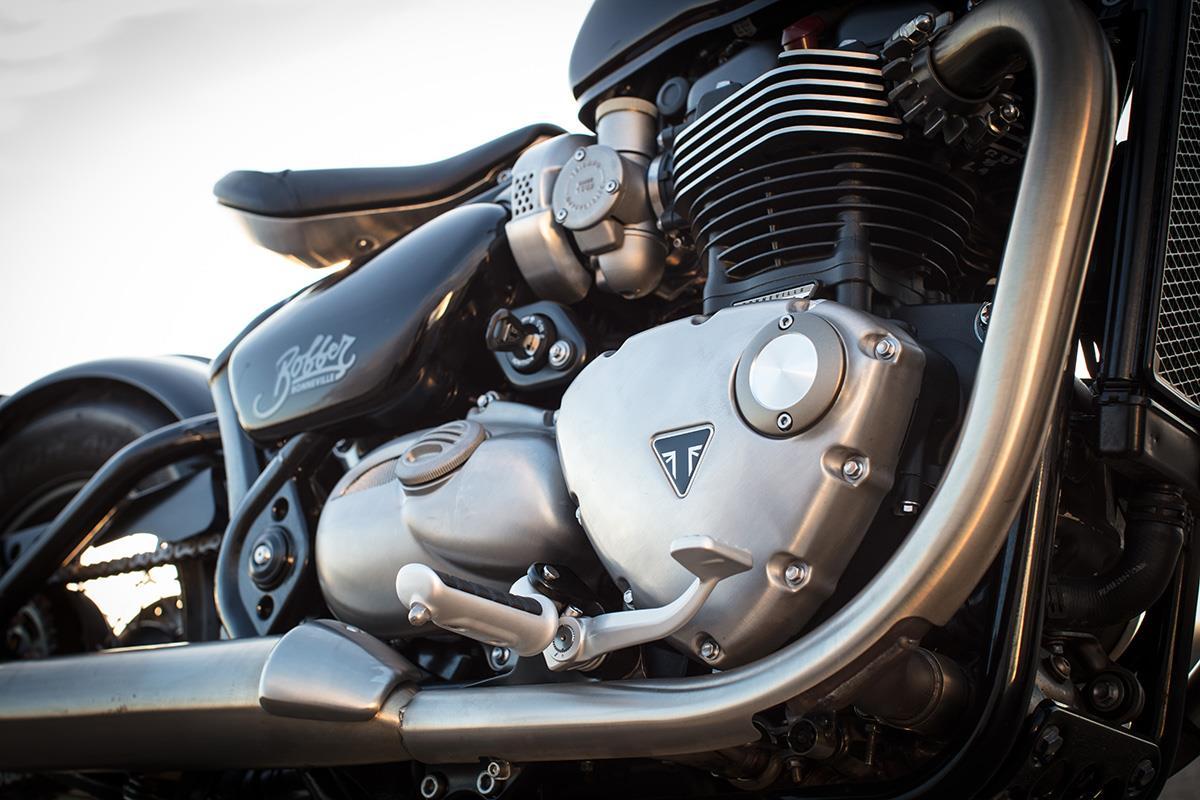 Triumph Bonneville Bobber 2017 On Motorcycle Review Mcn