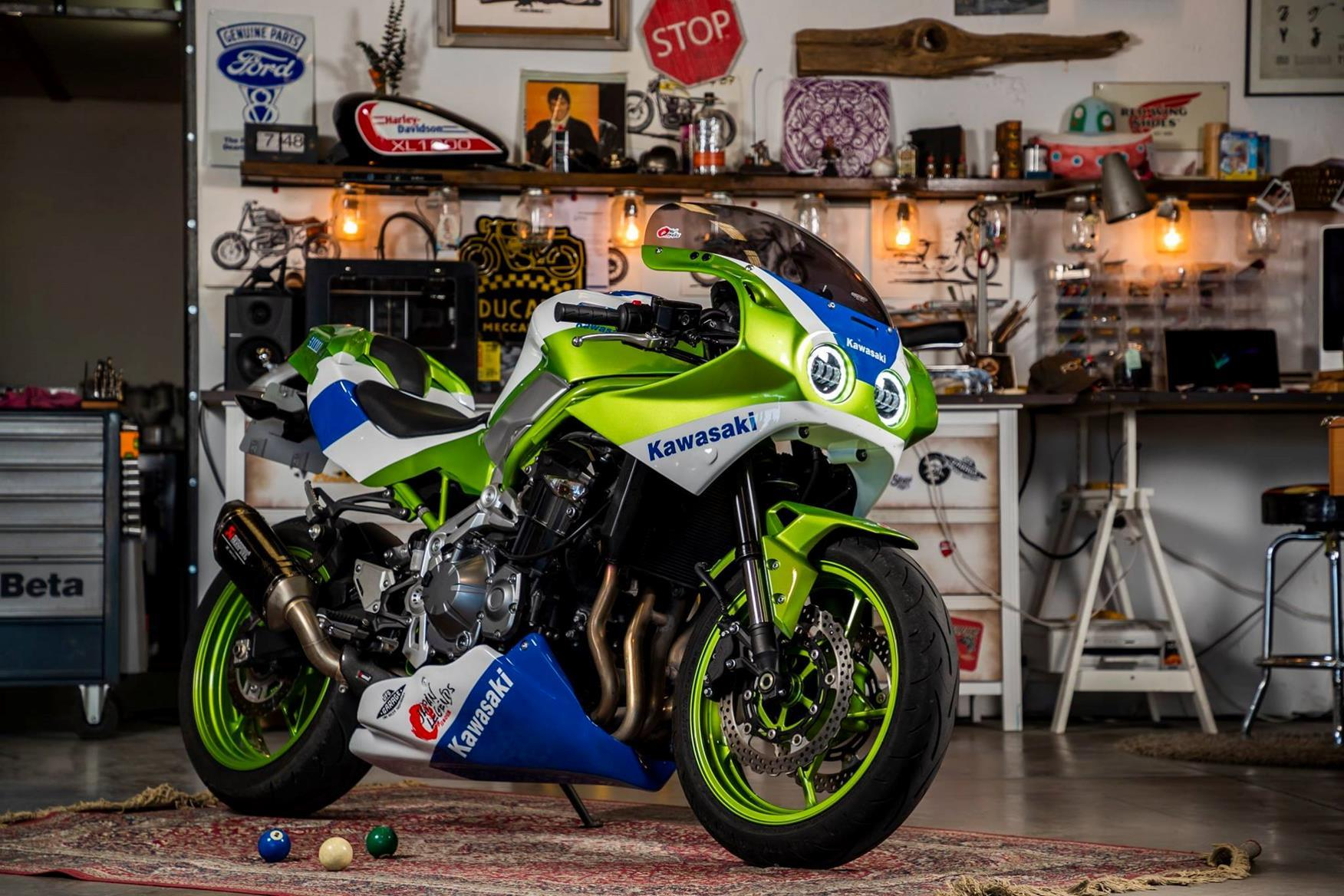 Kawasaki ZXR900 for the Z900, conversion by Japan Legends