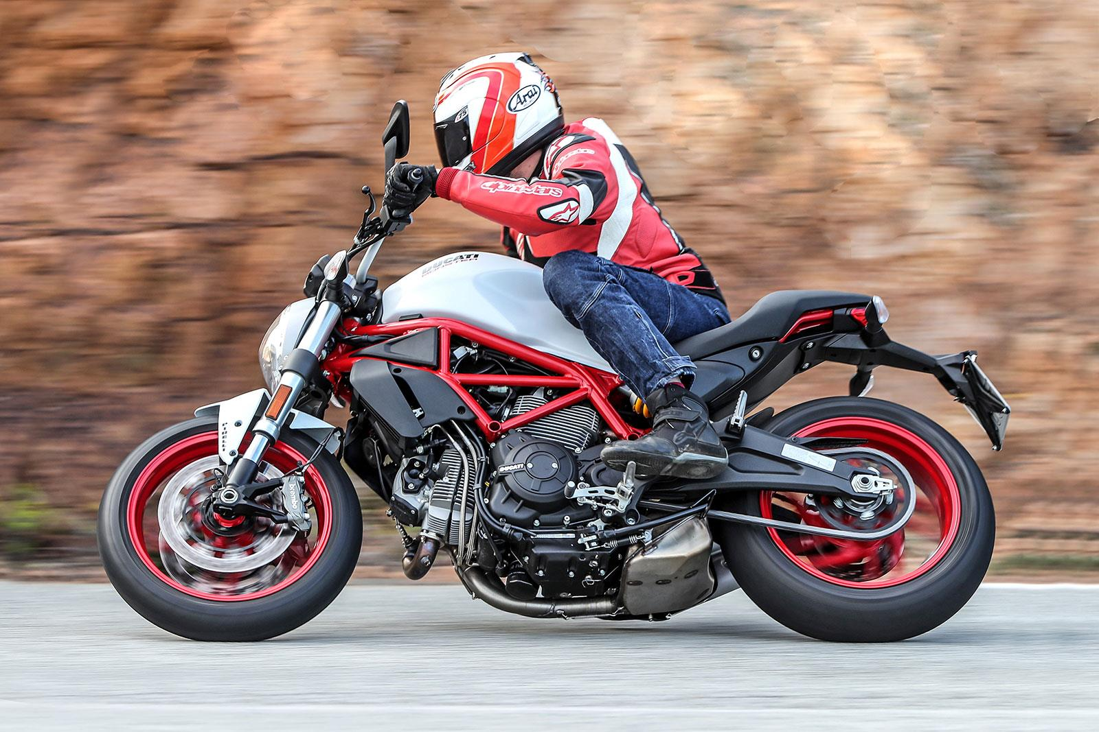 ducati monster 797 (2017-on) review | mcn