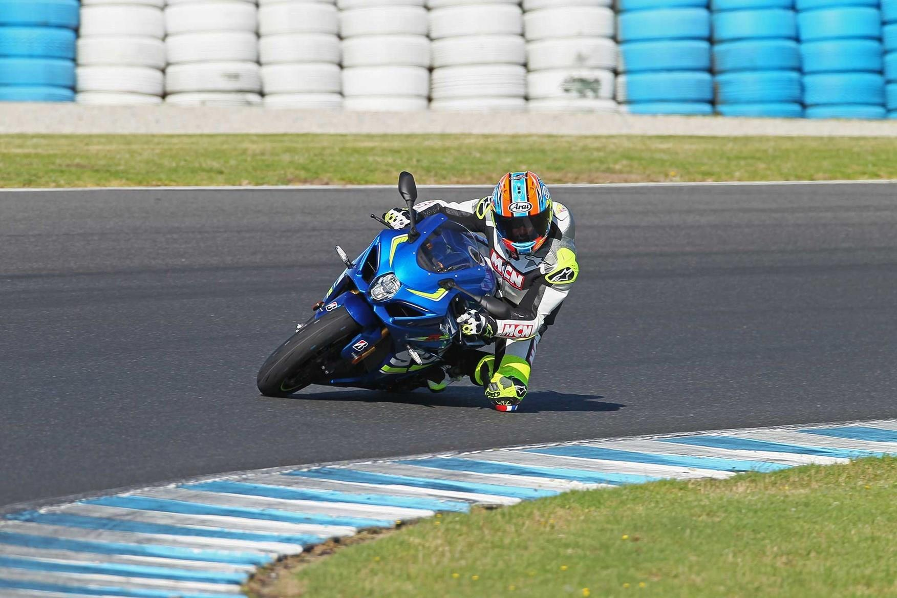 How to get your knee down | MCN