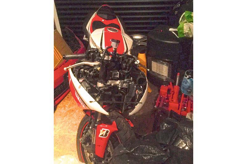 Crash damaged Yamaha R1 for sale