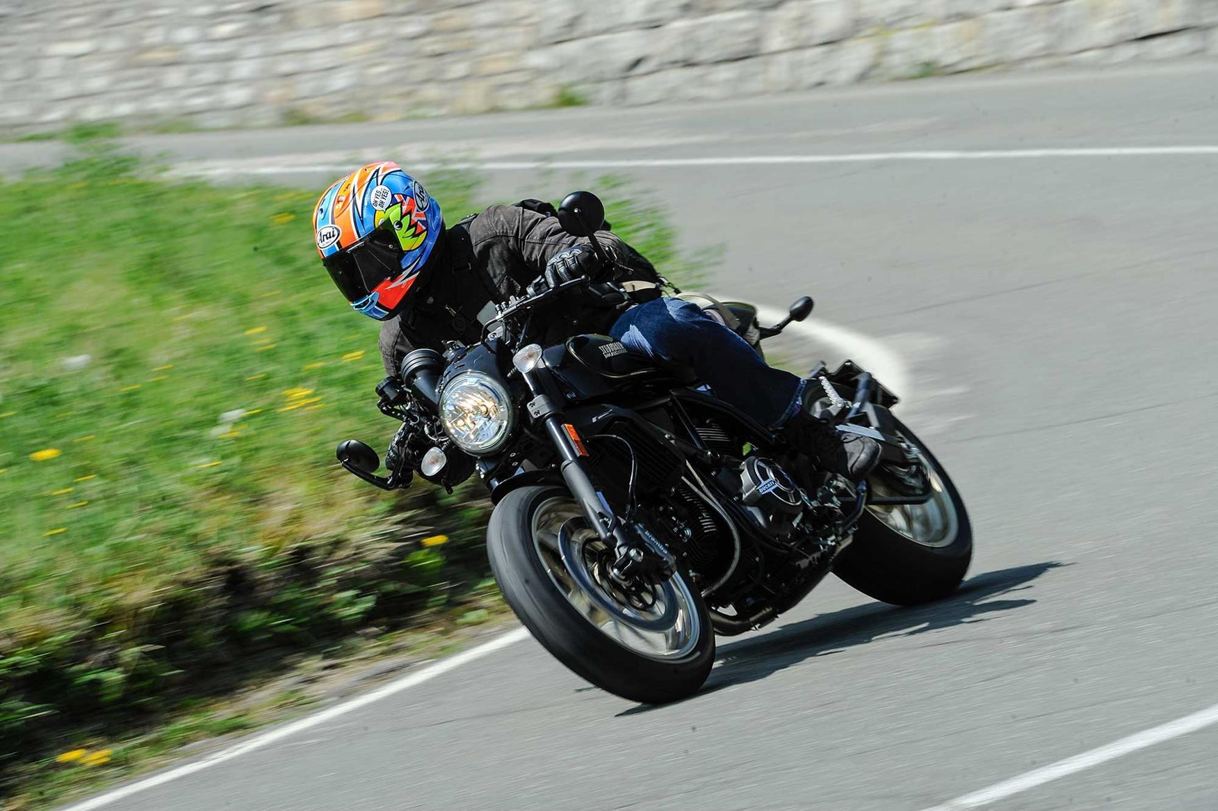 Ducati Scrambler 800 Cafe Racer 2017 On Review