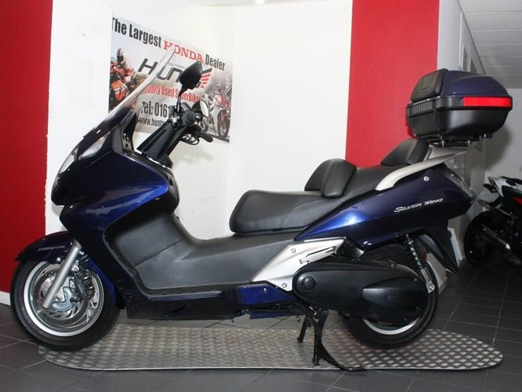 bike of the day honda silver wing 600 mcn. Black Bedroom Furniture Sets. Home Design Ideas