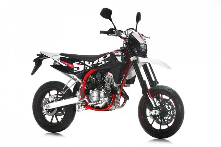 Swm Sm125 R 2017 On Review Speed Specs Amp Prices Mcn