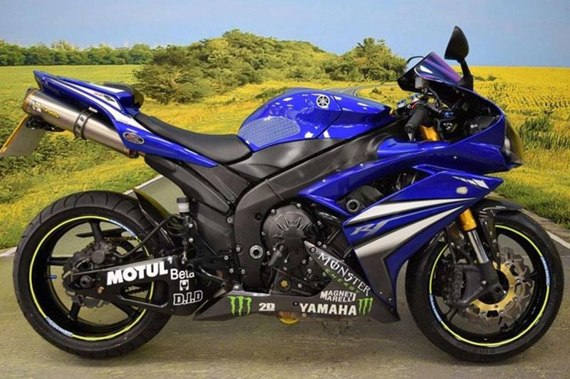 Yamaha R1 motorcycle for sale
