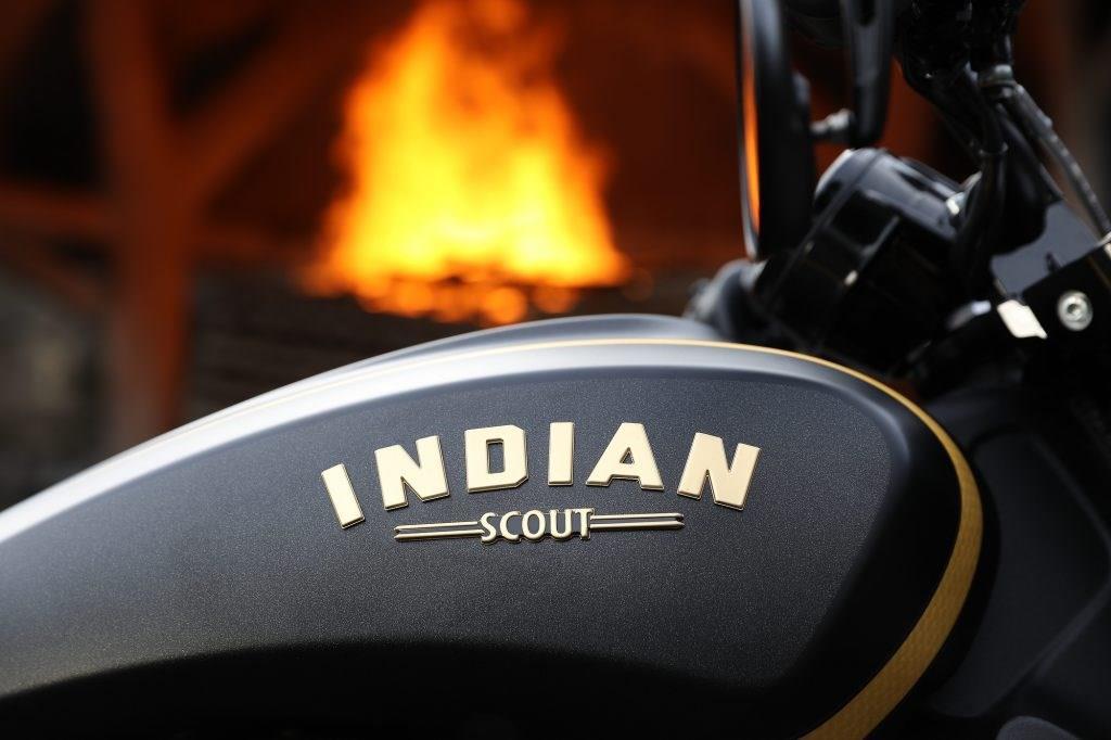 Indian Scout Bobber Jack Daniel's