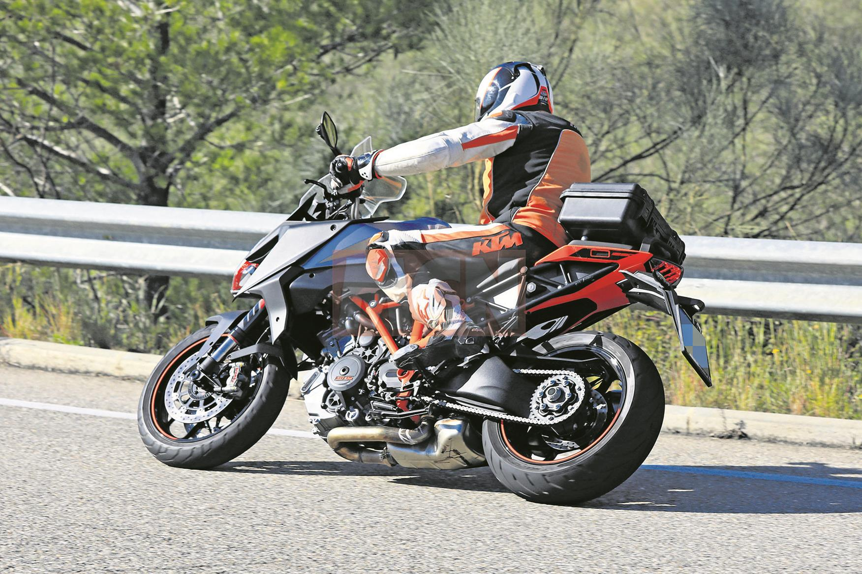 Spy shots! New KTM 1290 Super Duke GT spotted