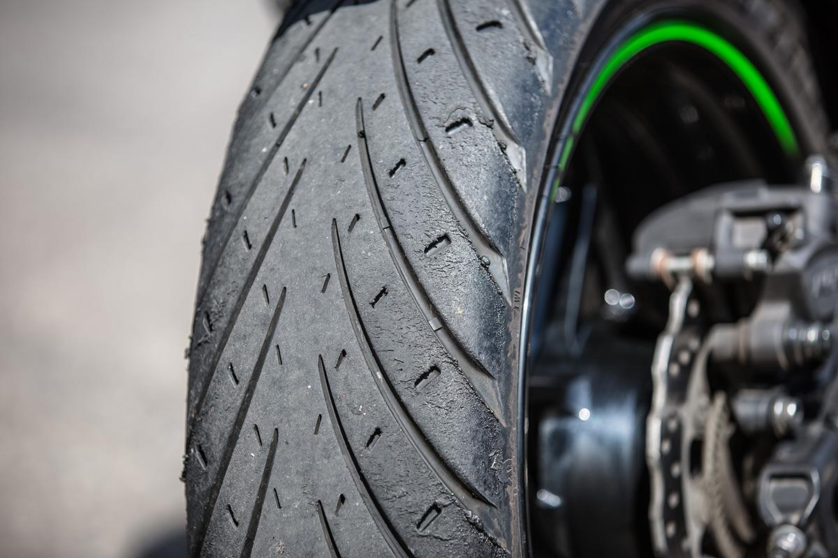 product review metzeler roadtec 01 tyres mcn. Black Bedroom Furniture Sets. Home Design Ideas