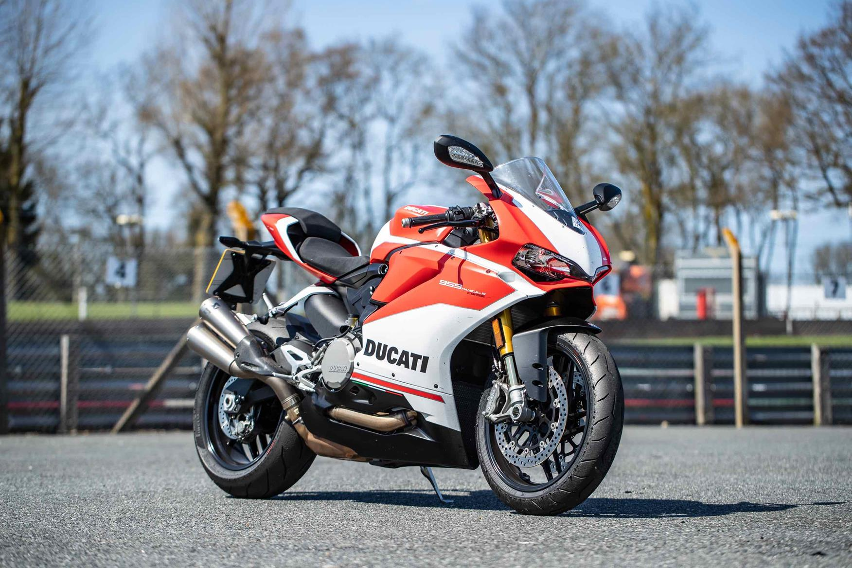 Ducati 959 Panigale Corse 2018 On Review Mcn