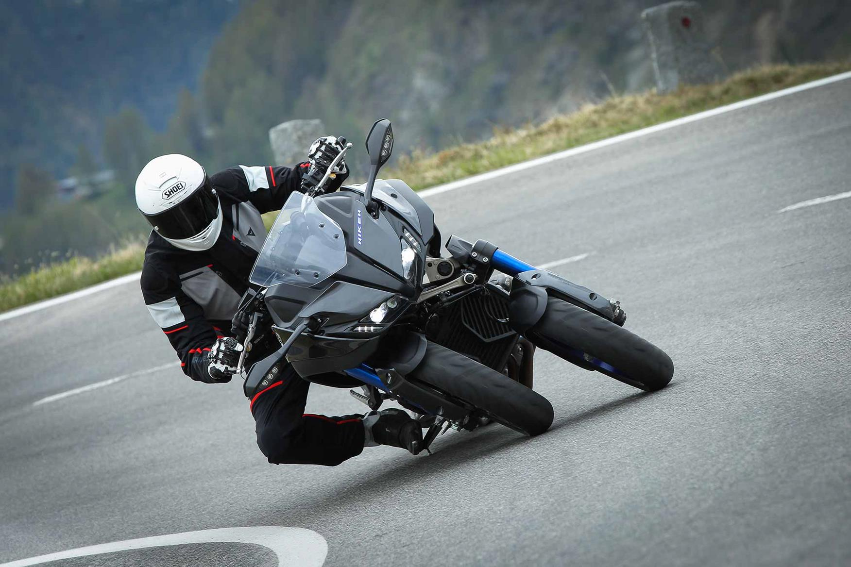 Yamaha Niken 2018 On Review Speed Specs Prices Mcn