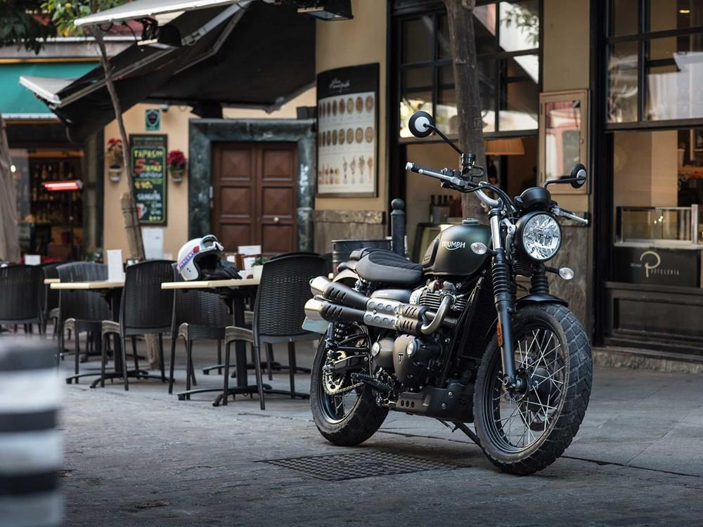 triumph street scrambler 2017 on motorcycle review mcn. Black Bedroom Furniture Sets. Home Design Ideas