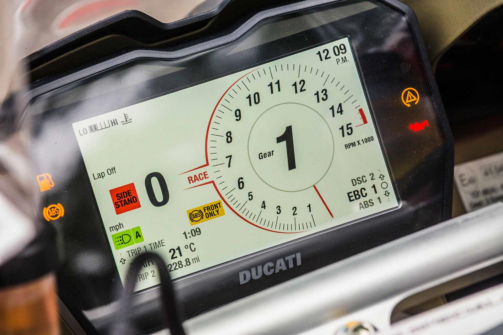 Ducati V4 Speciale 2018 On Review Specs Amp Prices Mcn