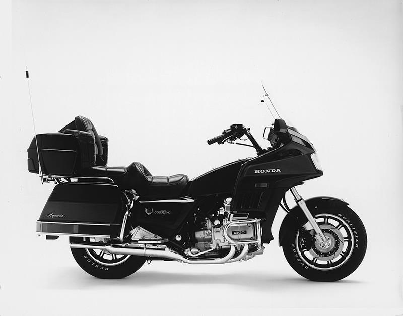 Honda GL1200 was the first to feature fuel injection