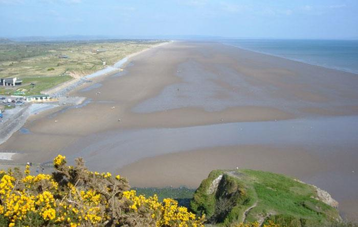 The beach at Pendine (photo: Kevin Trahar)