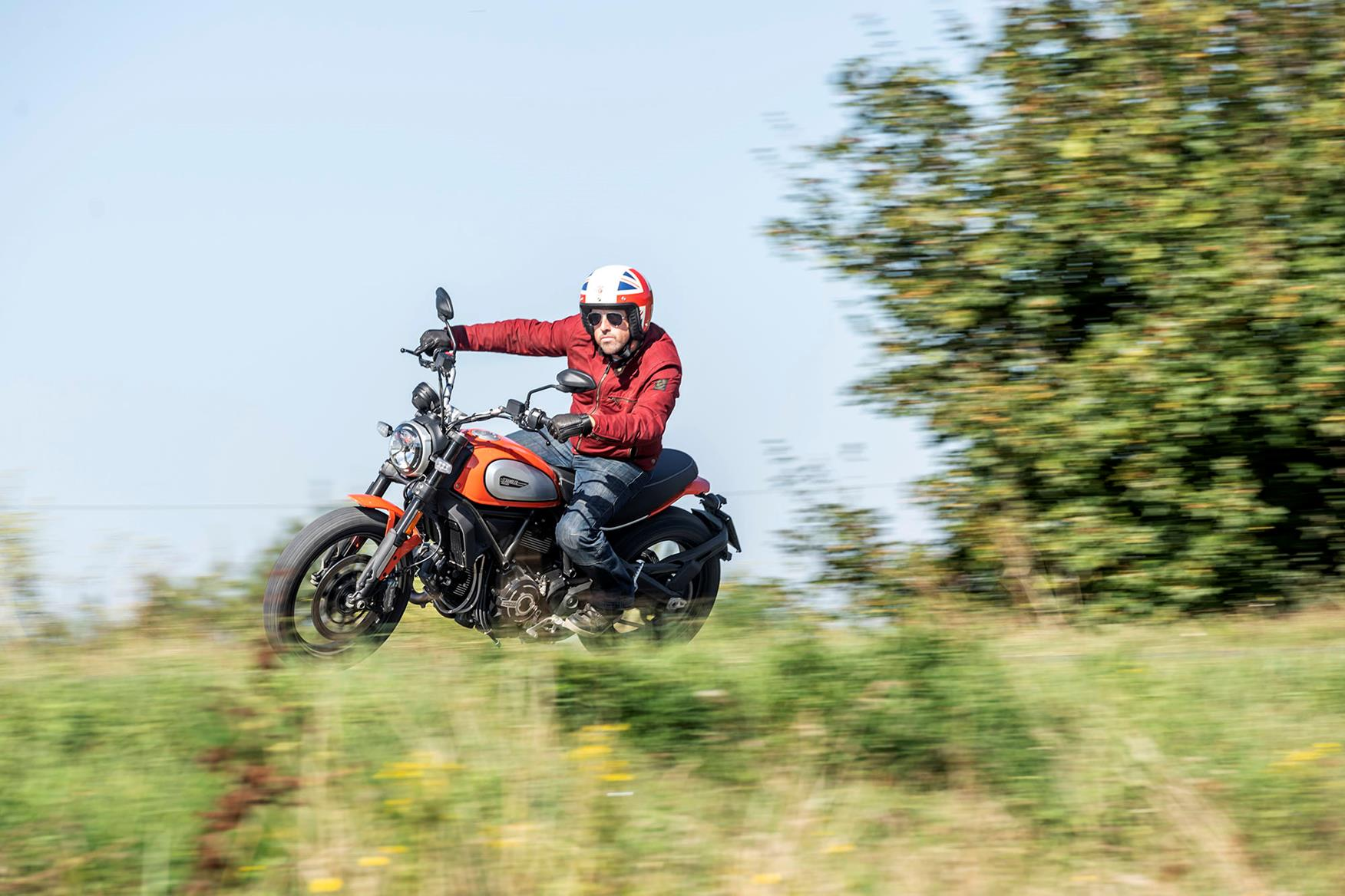 Ducati Scrambler 800 Icon 2019 On Motorcycle Review Mcn