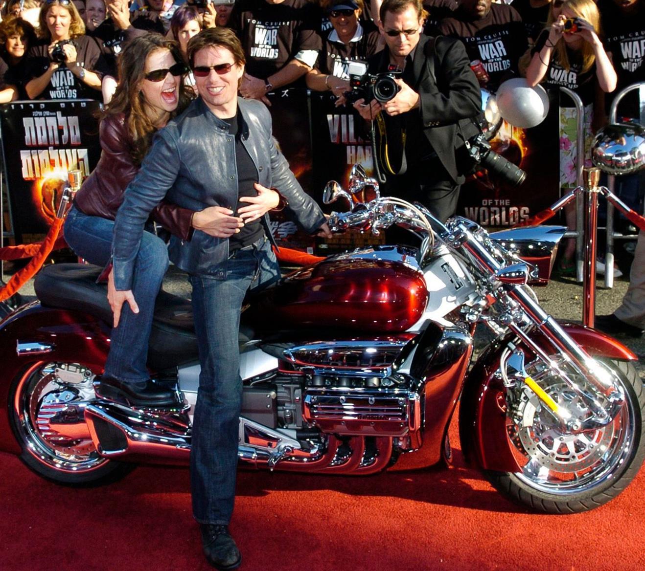 Cruise arrived at the War of the Worlds premiere on a Honda Valkyrie