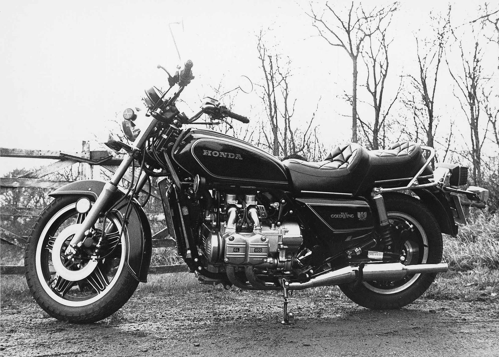 The GL1100 retained the naked design